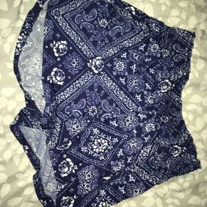 Blue and white sinch high rise shorts